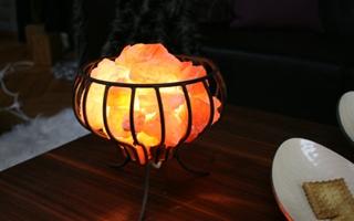 Feuerkorb Salz Kristall Stein