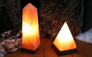 Salzkristall Obelisk Salzlampe